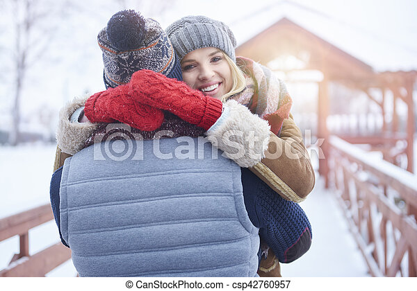fim, embracing pares, jovem, cima - csp42760957