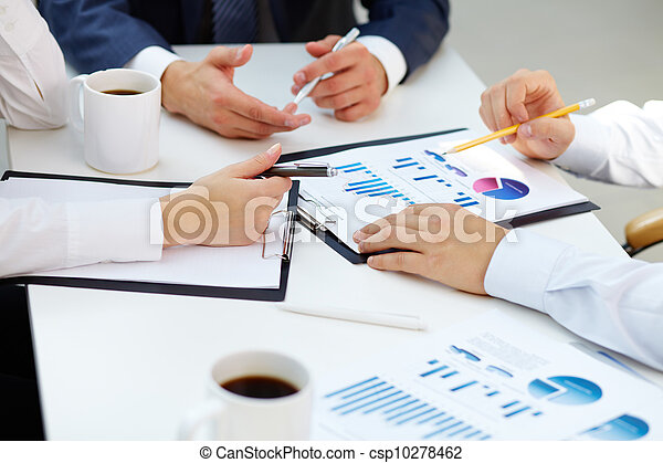 Financial reports - csp10278462