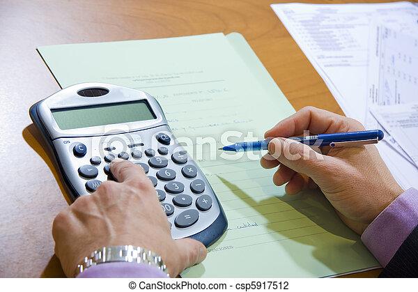 Finanzas - csp5917512
