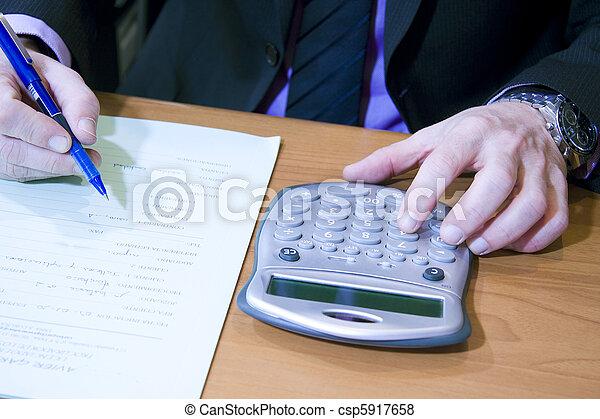 Finanzas - csp5917658