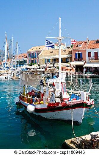 fiscardo, île port, village grec, grèce, kefalonia - csp11869446