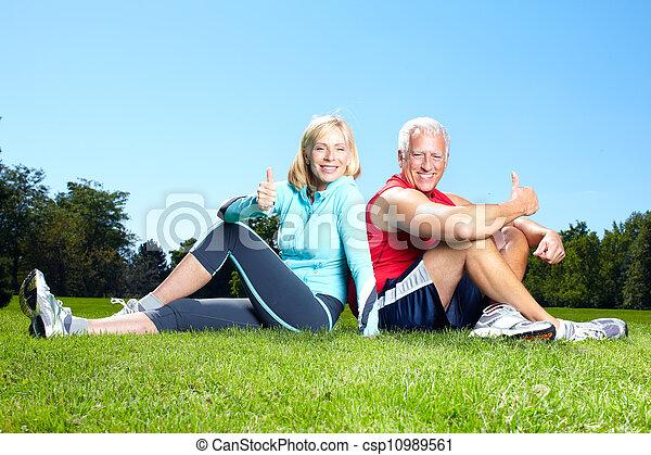Fitness couple. - csp10989561