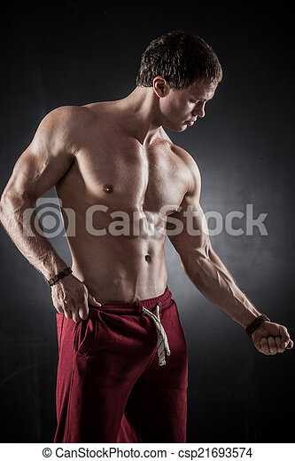Fitness male model - csp21693574