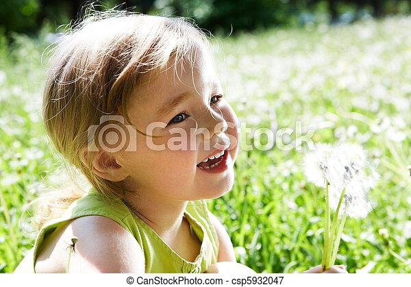 fleurs, enfant - csp5932047