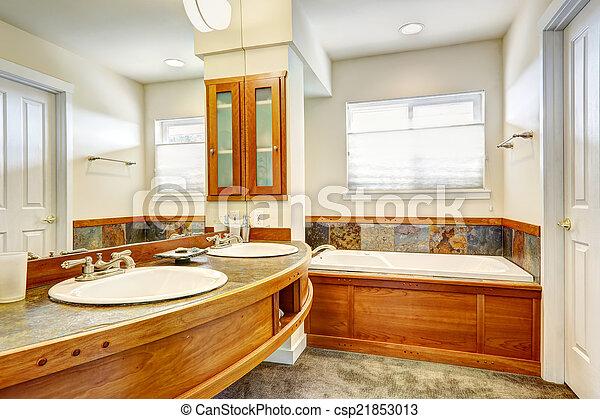 Badezimmer Mit Holz Und Kacheln Blick Auf Einen Runden Holztisch Und Einen Grossen Spiegel Canstock