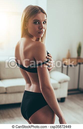 Adjusting bra