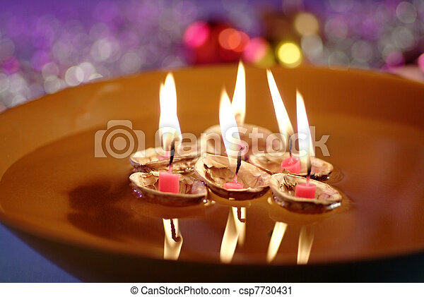 Christmas Floating Candles.Floating Candles In Bowl Of Water