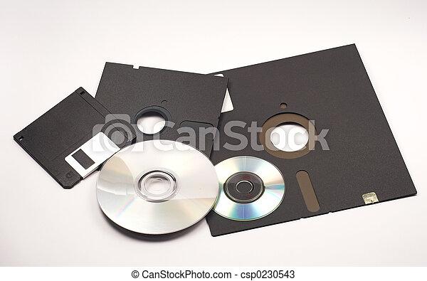 Varios disquetes y cd-roms - csp0230543