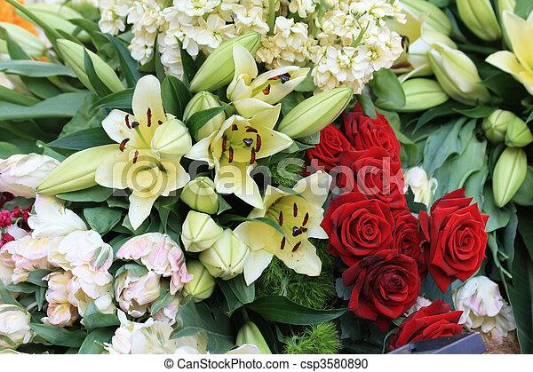 Flor Blanca Rojo Arreglo