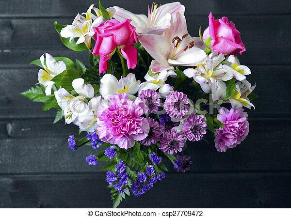 Floral bouquet. - csp27709472