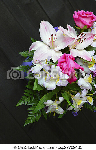 Floral bouquet. - csp27709485