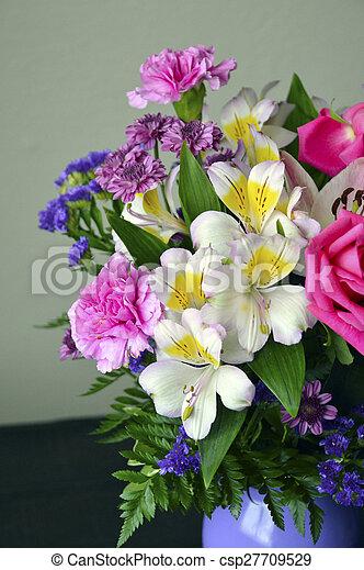 Floral bouquet. - csp27709529