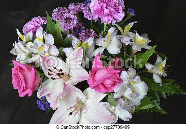 Floral bouquet. - csp27709499