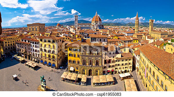 Florence square and cathedral di Santa Maria del Fiore or Duomo view - csp61955083