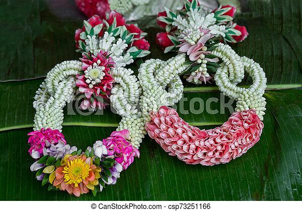 flower garland - csp73251166