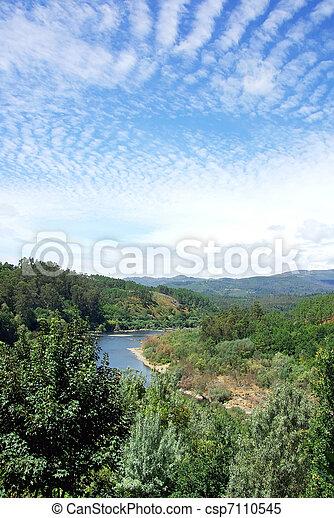 Fluss In Portugal fluß nord portugal minho stockbilder suche stockfotos