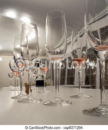 Flut, Glasses - csp8371294