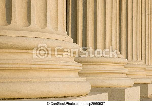 fluted, kolommen - csp2560537