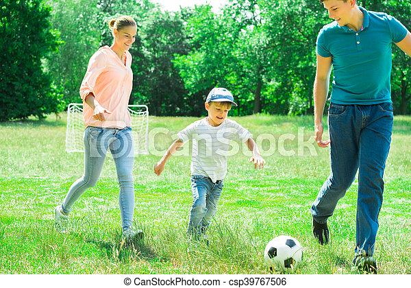 focilabda, játék, család - csp39767506