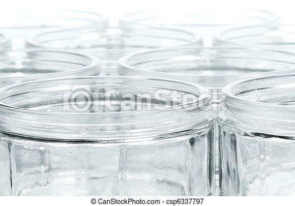 Muchos vasos con enfoque suave - csp6337797