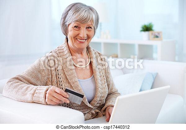 fogyasztó, internet - csp17440312