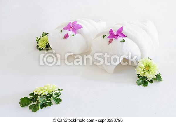 folded towels - csp40238796