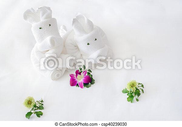 folded towels - csp40239030