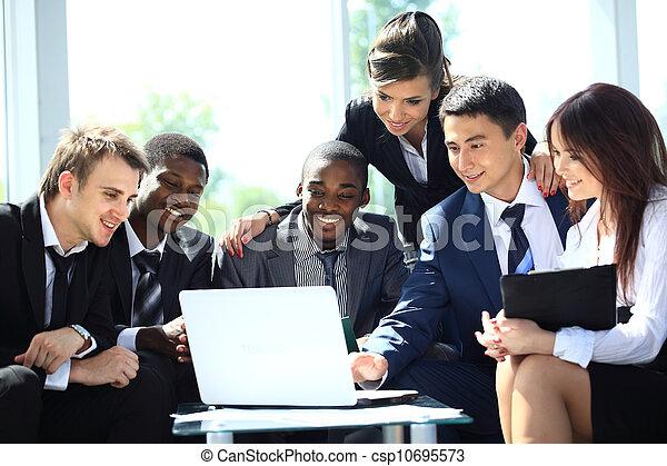 fonctionnement, bureau affaires, moderne, équipe, heureux - csp10695573