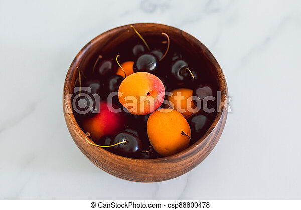 fond, nourriture, simple, abricots, cerises, marbre, bois, frais, bol, ingrédients - csp88800478