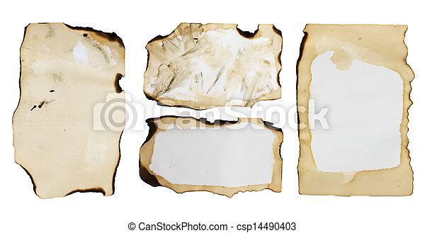 Un viejo papel aislado en un fondo blanco. - csp14490403