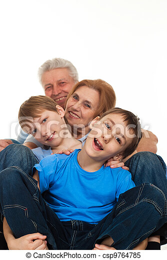 Buena suerte, abuelos caucásicos con nietos engañados - csp9764785
