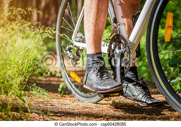 forêt, jeune, équitation, cycliste - csp60428085