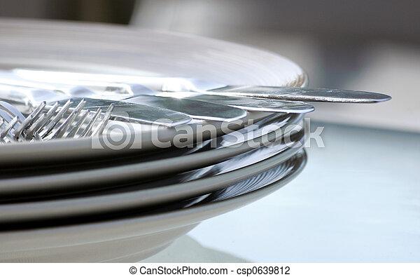 forchetta, piastra, coltello - csp0639812