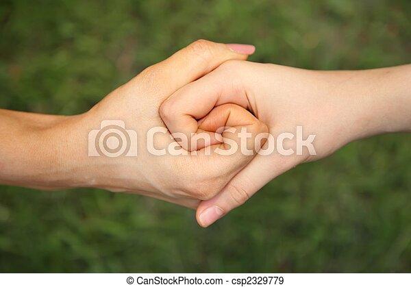 forenet, to hænder - csp2329779