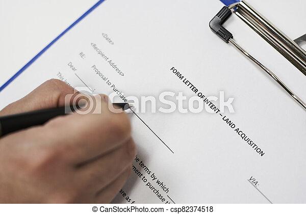 Form letter of intent land acquisition - csp82374518