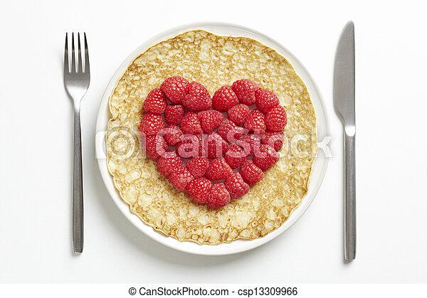 Panqueque con forma de corazón - csp13309966