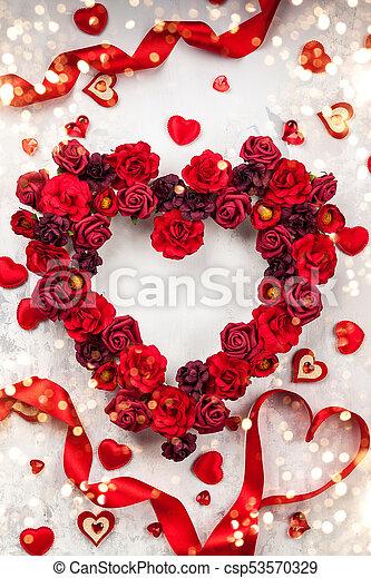 rosas en forma de corazones