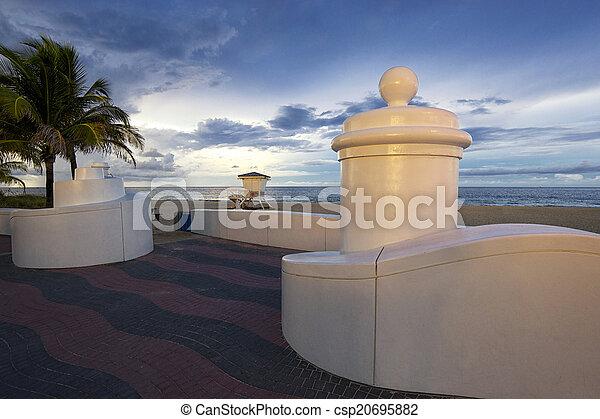 Fort Lauderdale Beach - csp20695882
