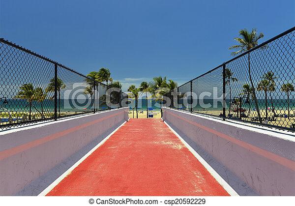Fort Lauderdale Beach - csp20592229