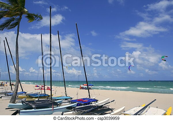 Fort Lauderdale catamaran beach Florida - csp3039959