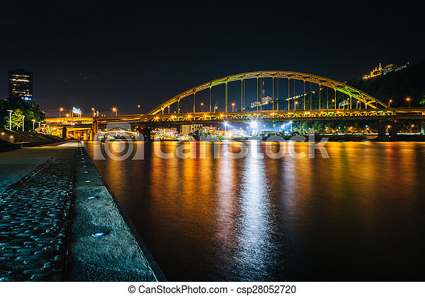 Fort Pitt Bridge at night, seen from Point State Park, in Pittsburgh, Pennsylvania. - csp28052720
