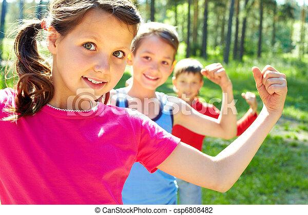 forte, crianças - csp6808482