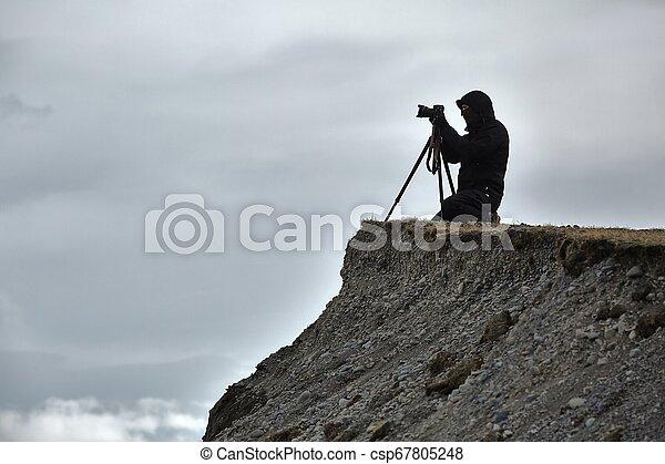 fotógrafo, tripé - csp67805248