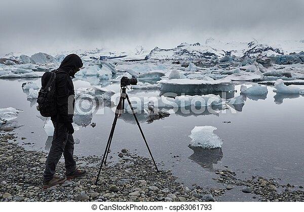 fotógrafo, tripé - csp63061793