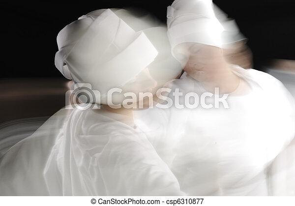 Foto artística de bailarinas blancas sufosas - csp6310877
