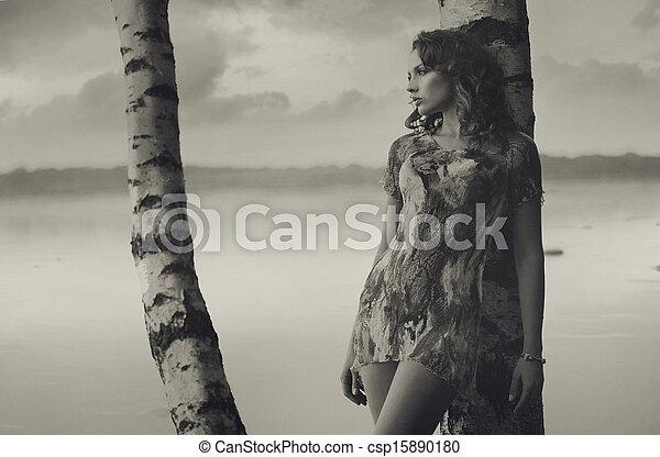foto, black&white, brunetta, ben fatto, ragazza - csp15890180