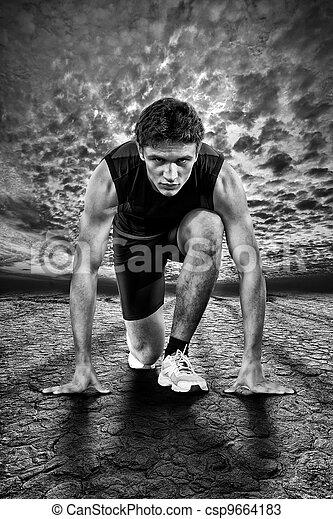 Ein kreatives Foto von Athleten am Anfang. Schwarz und weiß. - csp9664183