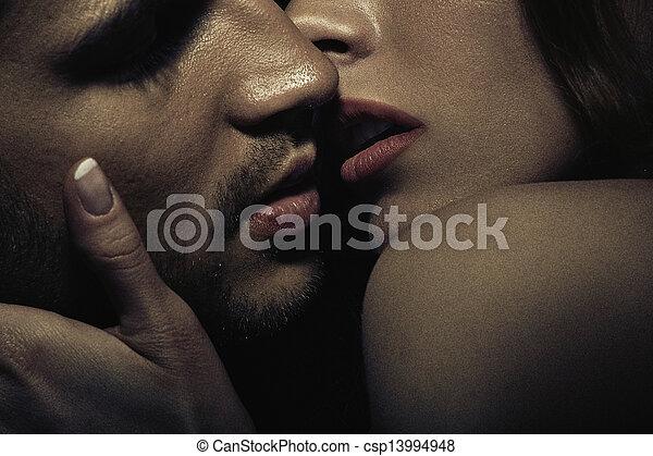 foto, paar, sinnlich, küssende  - csp13994948