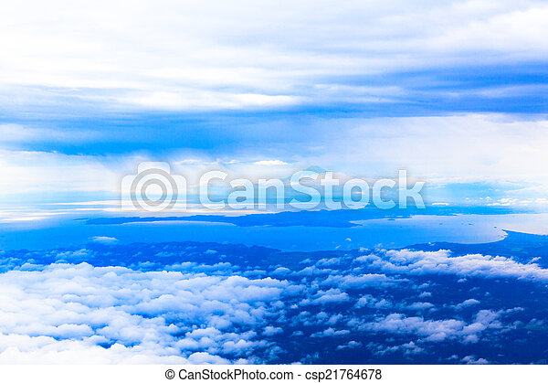 Mar de nubes, fotografía aérea - csp21764678