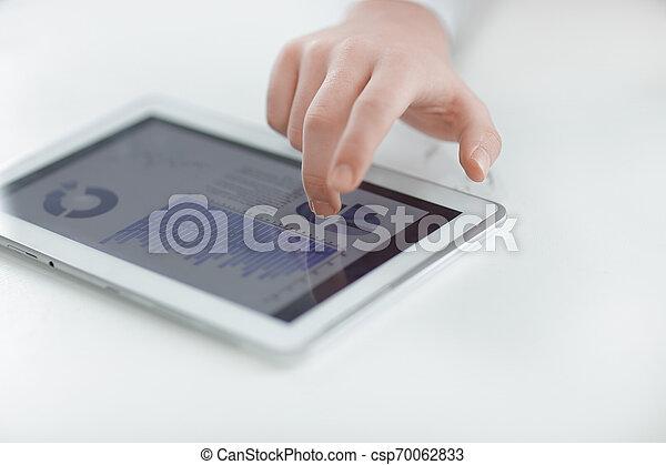 fotografia, przestrzeń, tablet., up.businessman, cyfrowy, zamknięcie, używając, kopia - csp70062833